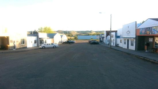 Rockglen, Canadá: The only motel to stay at in this quaint and very friendly little town. BRING CASH... CANADIAN C