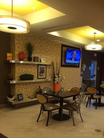 Holiday Inn Express Covington Madisonville Bild