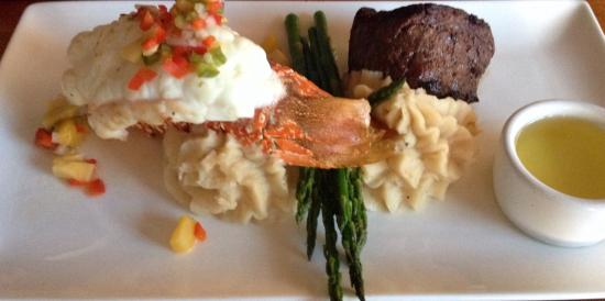 Chateau On the Lake : Lobster & Steak~Shrimp sautéed & Steak~House Salad~834 view from our Balconies!! It's a huge Bea