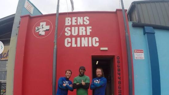 Ben's Surf Clinic: Awesome! Best surf outfit/guide in town!