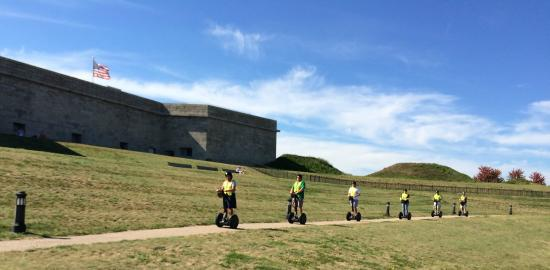 Wheeling City Tours: Gliding Fort Trumbull