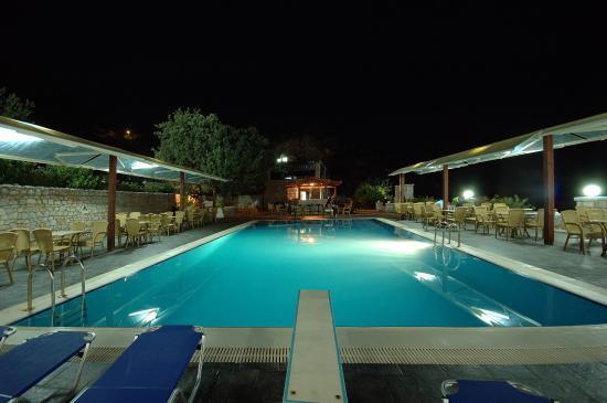 Hotel Lalloudes