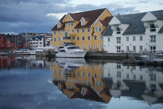 Stilig View from the ferry jetty - Picture of Quality Hotel Floro, Floro ZL-75