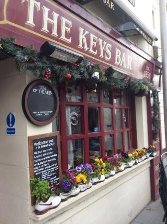 ‪The Keys Bar‬