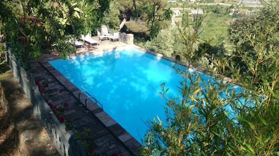 Peiranze 144 Bed and Breakfast: la nostra piscina