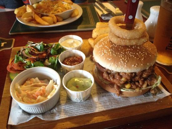 The Lairds Inn: Mexican Hat burger OMG! Amazeballs