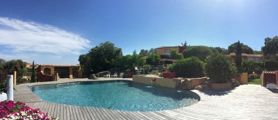 Le Roc e Fiori Hotel: La piscine