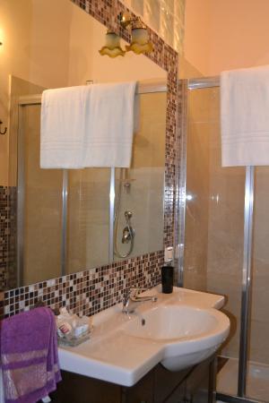 Relais Cavour: Bathroom