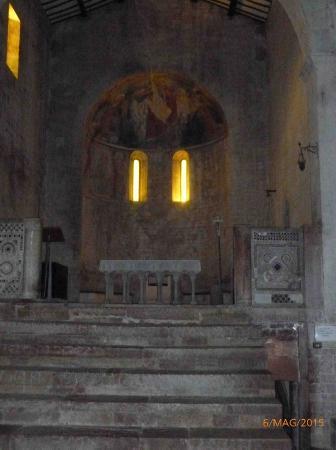 Abbazia dei SS Felice e Mauro: L'altare