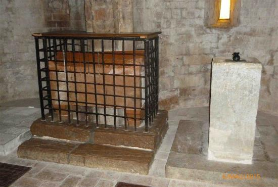 Abbazia dei SS Felice e Mauro: La tomba dei santi