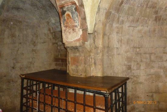 Abbazia dei SS Felice e Mauro: La tomba dei santi nella cripta