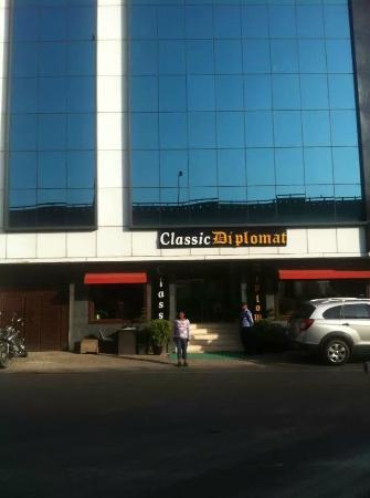 Classic Diplomat - New Delhi: Hotellet Classic Diplomat