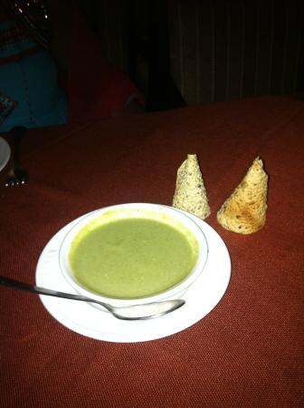 Classic Diplomat - New Delhi: Restaurang