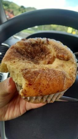 Sweet Marie's Hawaii : Some type of cinnamon streusel sour cream coffee cake deliciousness!!