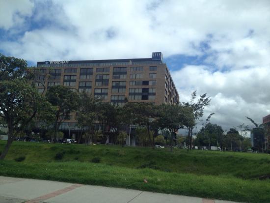 TRYP Bogota Embajada Hotel: Habitacion, desayuno