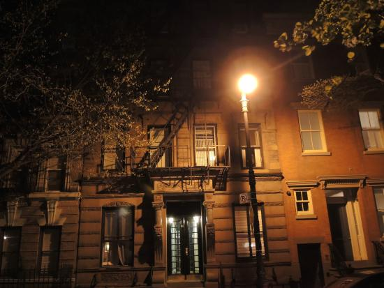 Ghosts, Murders and Mayhem Walking Tours of New York City: The village