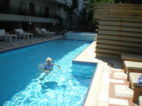Bourtzi Hotel: Hotel pool