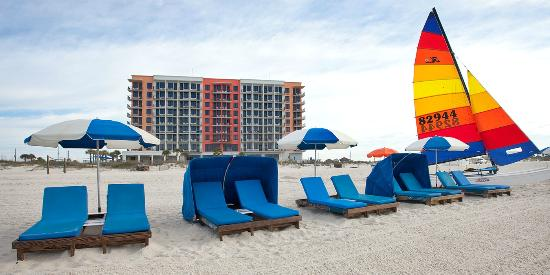 Hampton Inn & Suites Orange Beach: Sun or shade, you decide.