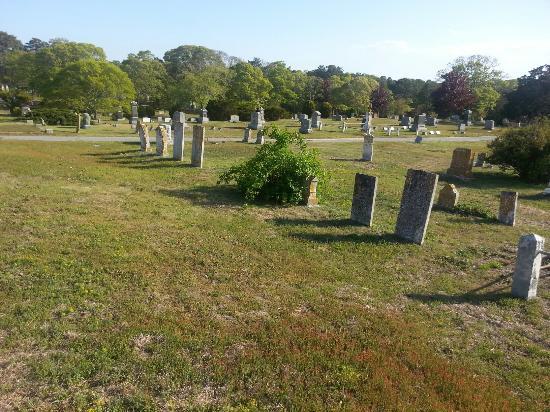 อีสต์แฮม, แมสซาชูเซตส์: Cove Burying Ground