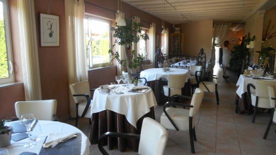 Hostellerie des Criquets: salle à manger