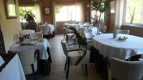 Hostellerie des Criquets : salle à manger