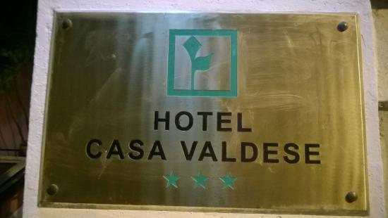 Casa Valdese: Naambord hotel