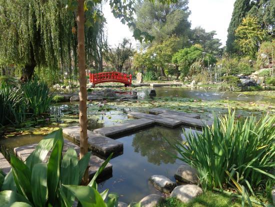 Foto de jardin japones buenos aires pergola lago for Plantas jardin japones