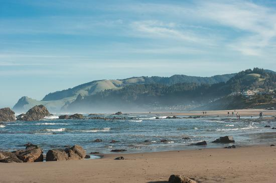 Walk to 7.5 miles of flat sandy beach in Lincoln City, OR
