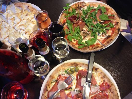 Mongelli photo de pizza mongelli tournefeuille for Menu ete entre amis