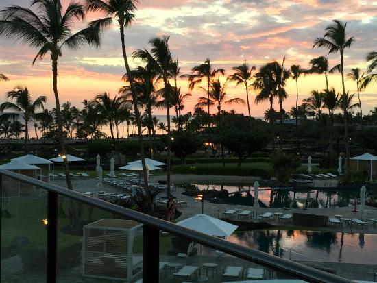 Waikoloa Beach Marriott Resort Spa Sunset From Breeze Way