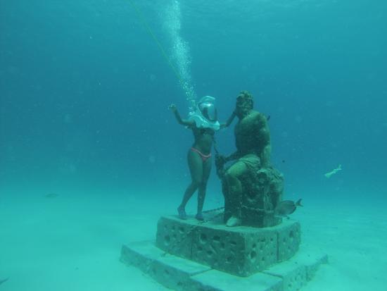 San Andres, Colombia: Estátua de Poseidon