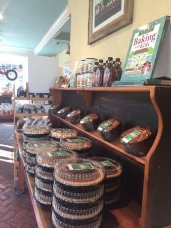 Tate's Bake Shop : Pies!!