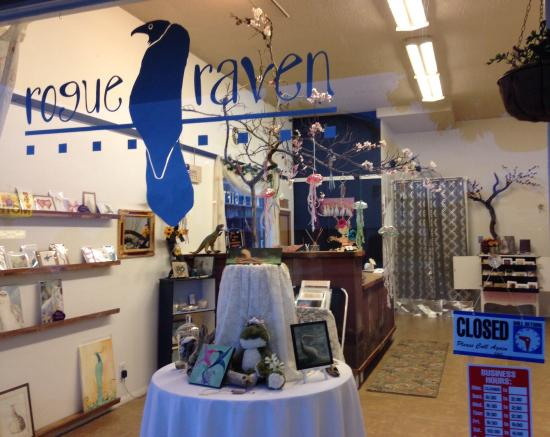 Rogue Raven Gallery