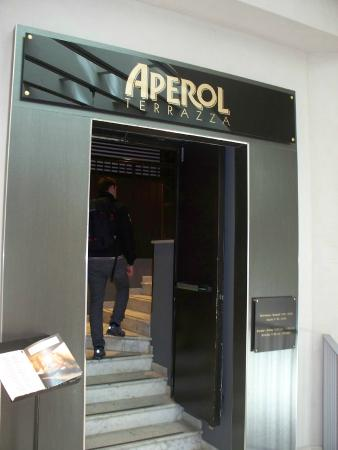 ingresso - Foto di Terrazza Aperol, Milano - TripAdvisor
