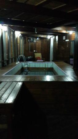 Hotel Boutique Alma : Dreary Dark and Dirty Spa