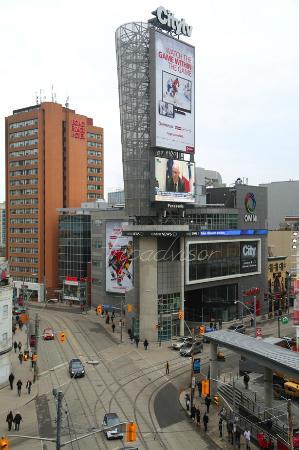Bond Hotel Toronto Reviews