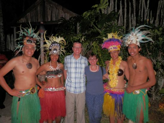 Highland Paradise Drums of our Forefathers Sunset Culture Show: Photo opportunity with the dancers at the end of the show