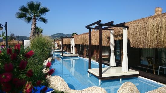 Sahra Su Holiday Village Spa Bungalows And Swim Up Pool