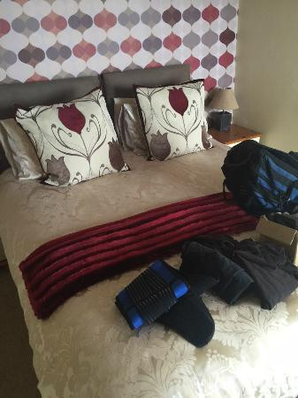 The Port Arms: Bed