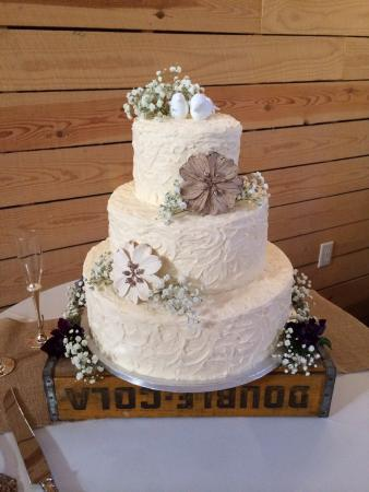 how to make rustic wedding cake rustic wedding cakes picture of s cakes and bakes 15990