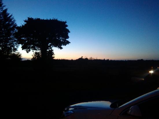 Armcashel B&B: Lovely evening in Castlerea
