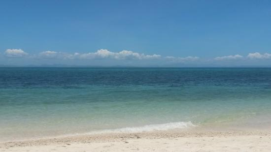 AABANA Beach & Watersport Resort Malapascua: Mike & Diose's private beach!