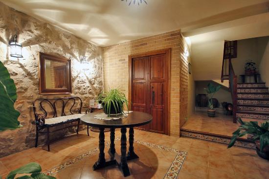 2ab4e7127aa63 Apartamentos Rurales Santa Agueda  Casa La Placeta...Hall de entrada