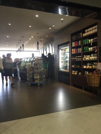 Starbucks orly avenue sud restaurant reviews photos for Hotels orly sud
