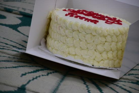 Cake Decoration - Picture of Magnolia Bakery, Doha - TripAdvisor
