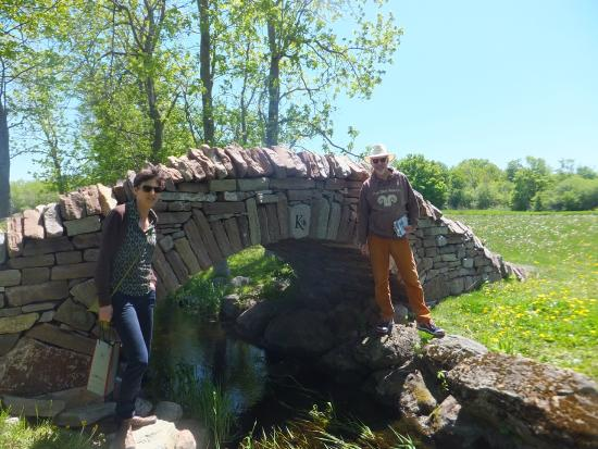 Karlo Estates Winery: dry stone bridge