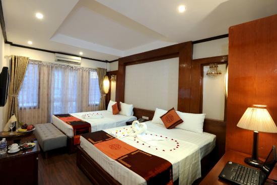 Hanoi Symphony Hotel: Family room