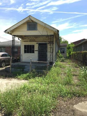Lower 9th Ward: Example of shotgun house that needs work