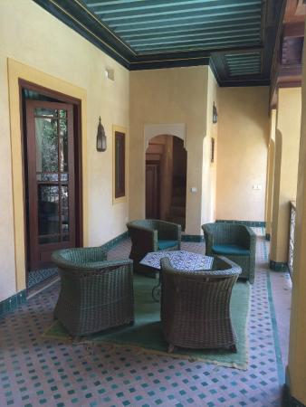 Riyad Al Moussika: Balcony