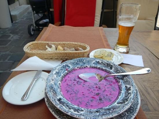 Pod Nosem: Excellent beetroot soup - chilled!